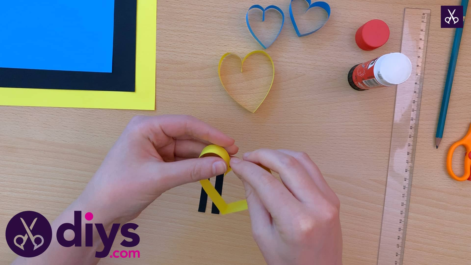 How to make a paper heart butterfly different colors