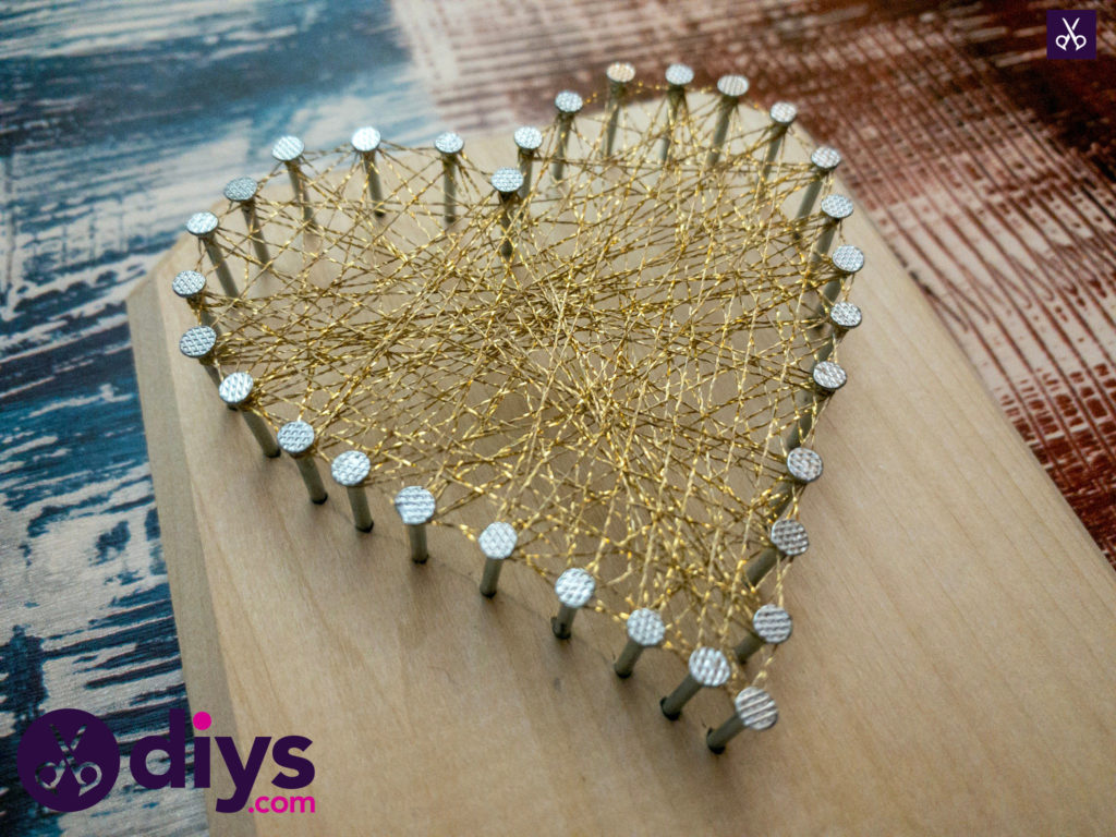 How to make mini heart string art display
