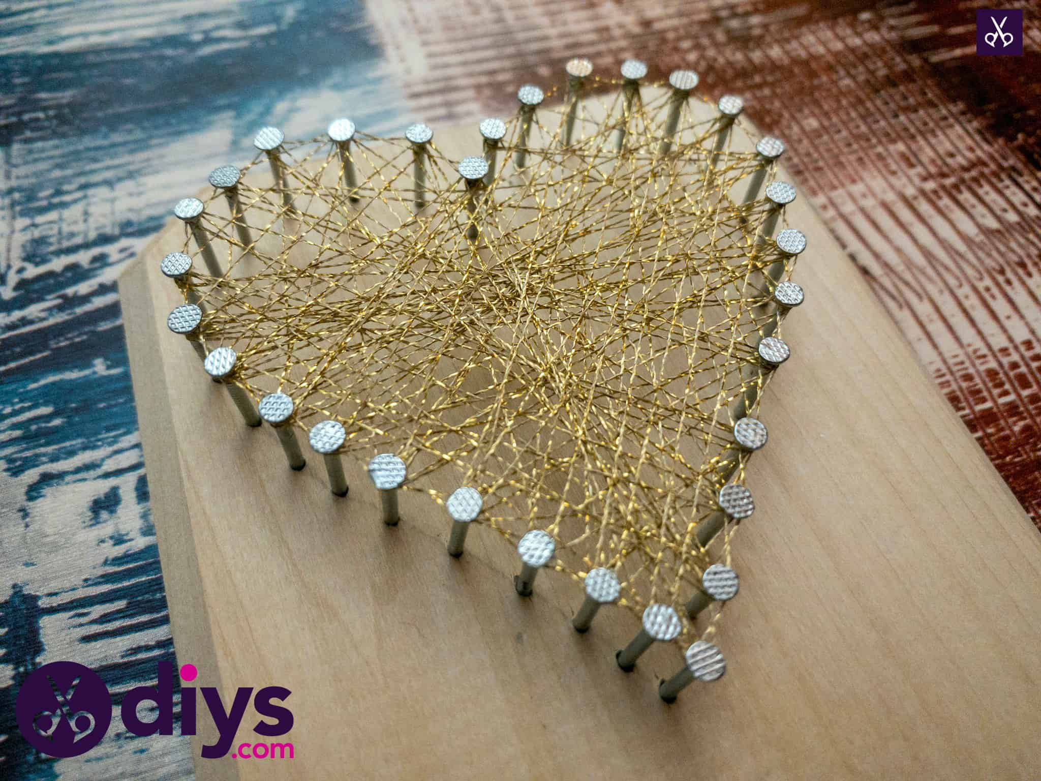 How to make mini heart string art display
