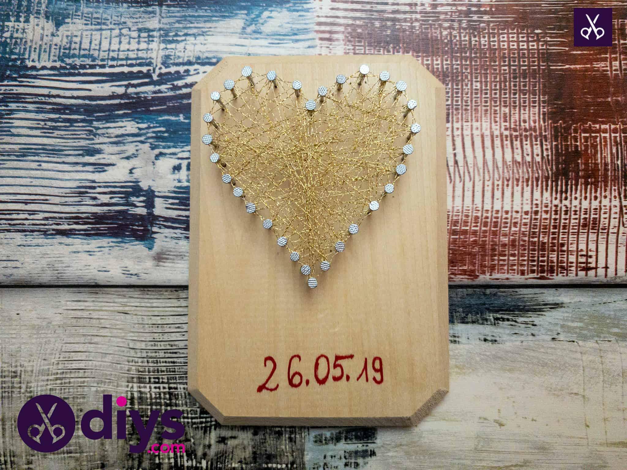 How to make mini heart string art