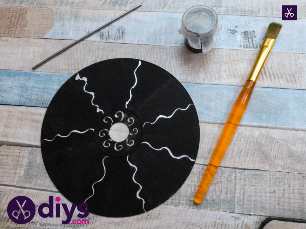 How to make recycled cd art craft