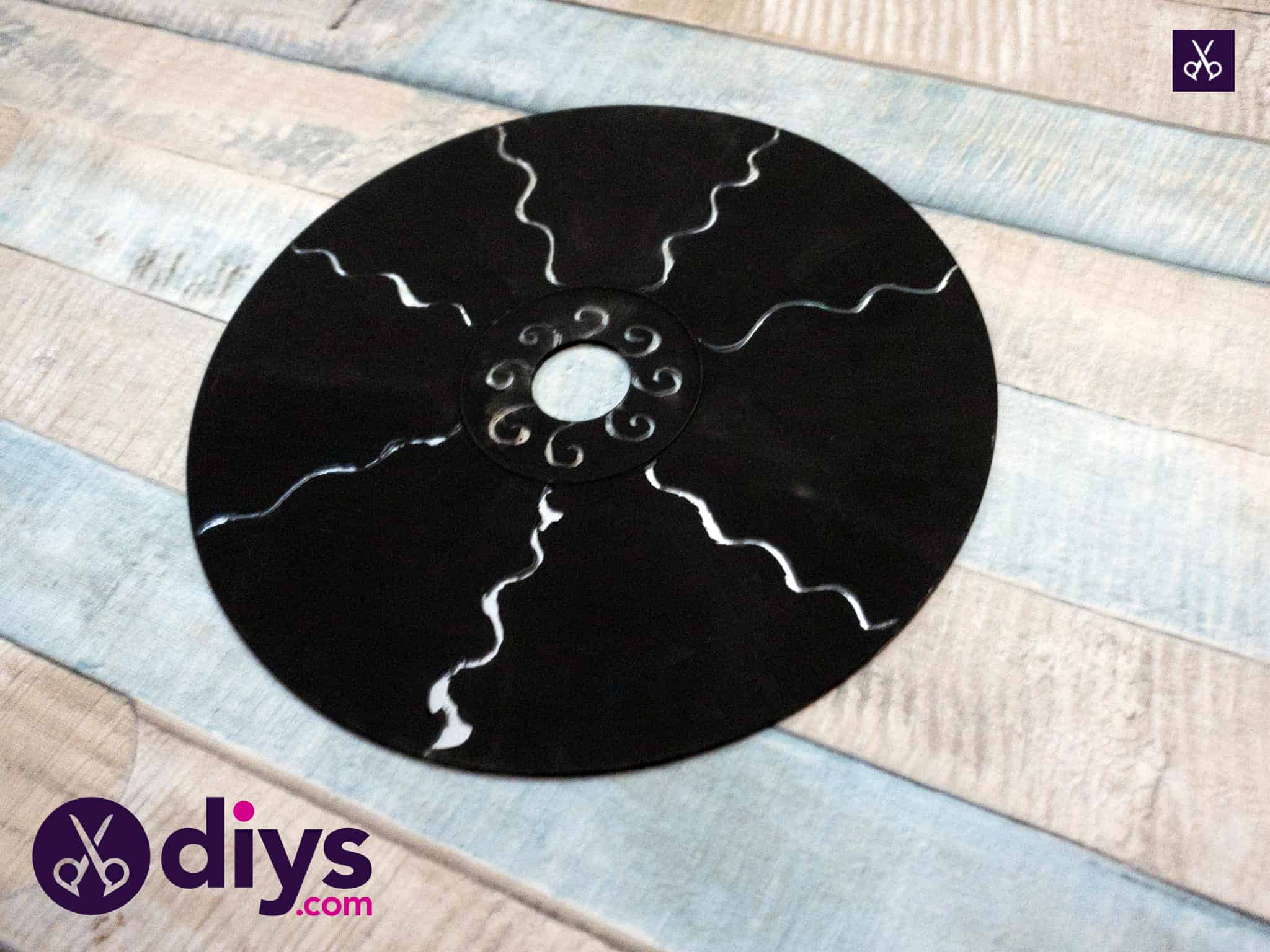 How to make recycled cd art simple project