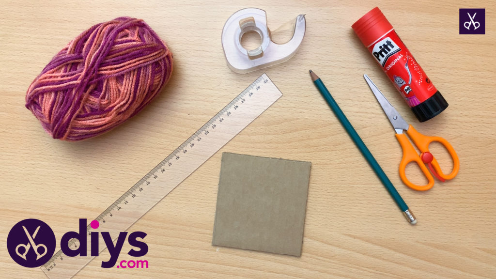 How to make yarn letters step 1