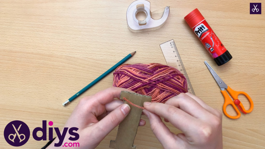 How to make yarn letters wrap