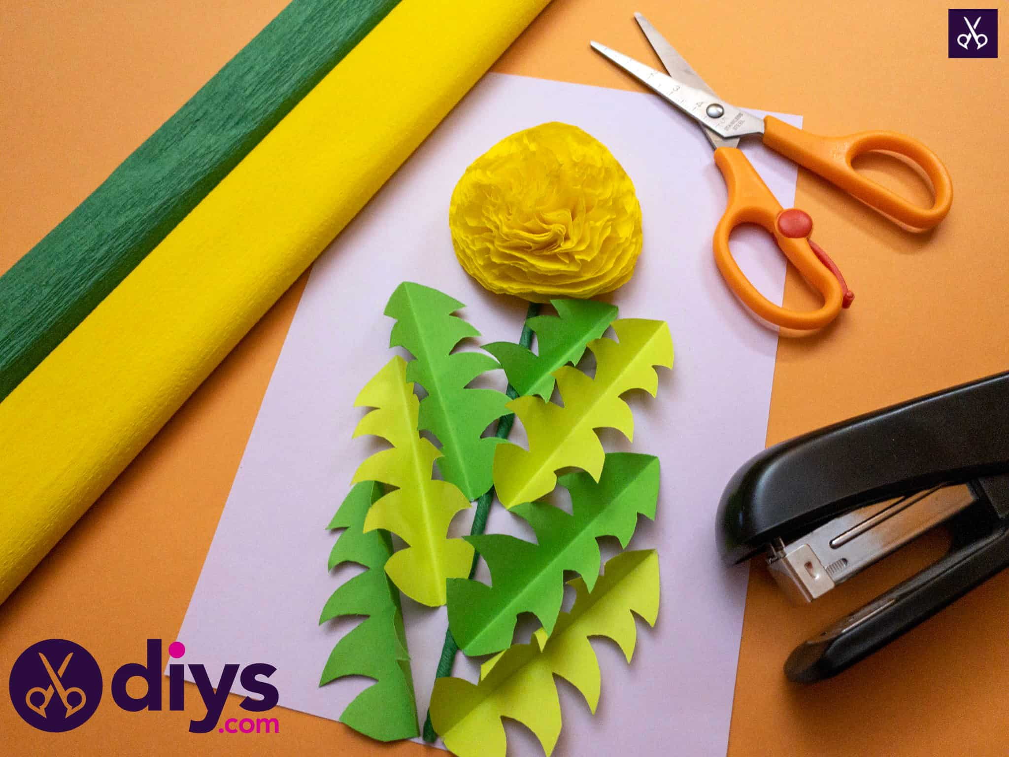 How to make a crepe paper flower diy