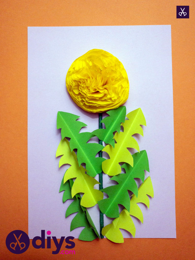 How to make a crepe paper flower glue