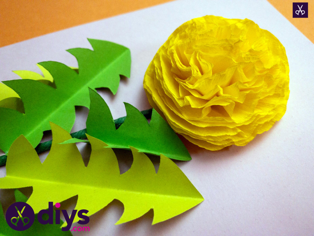How to make a crepe paper flower materials