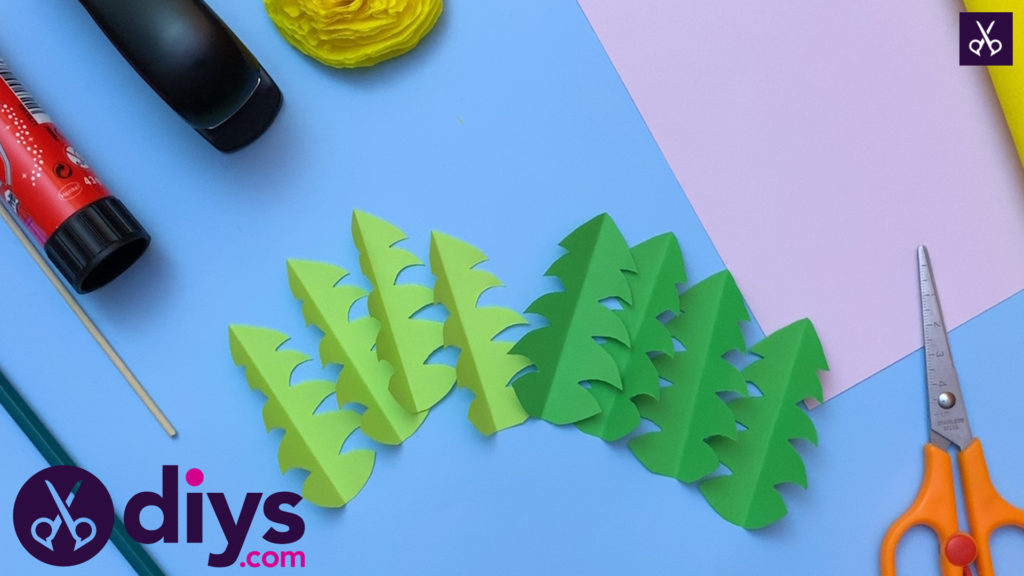 How to make a crepe paper flower cut the christmas trees