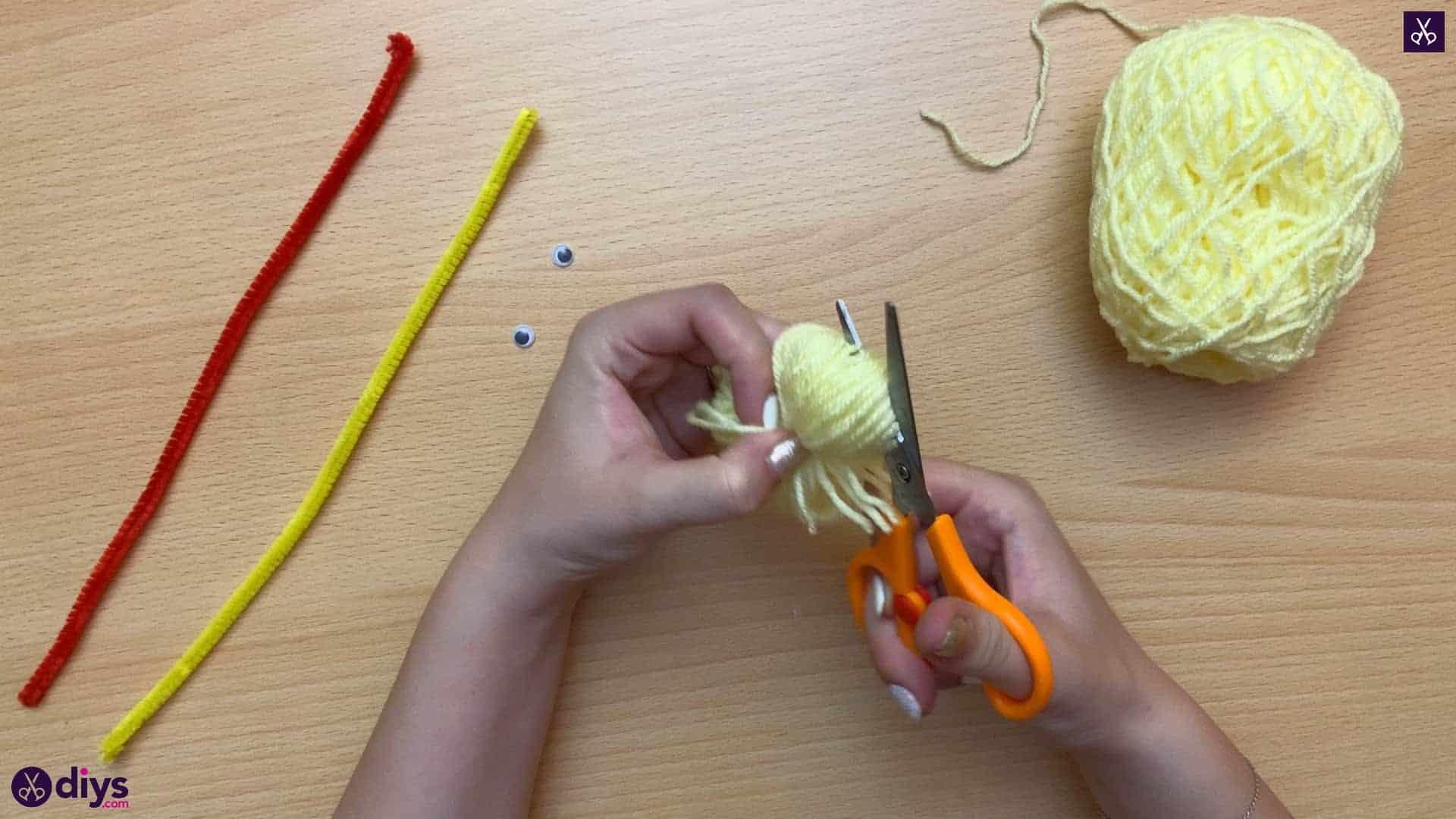 How to make a pom pom chick cut