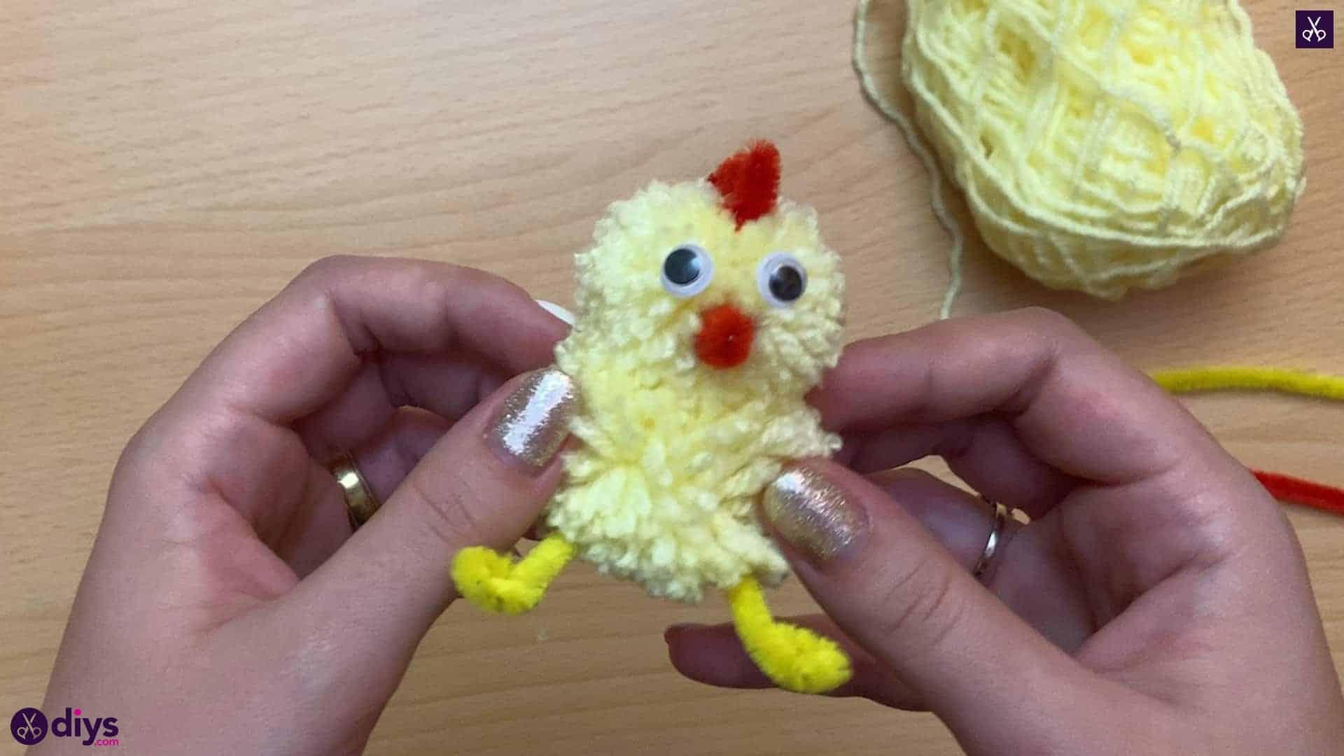 How to make a pom pom chick for kids
