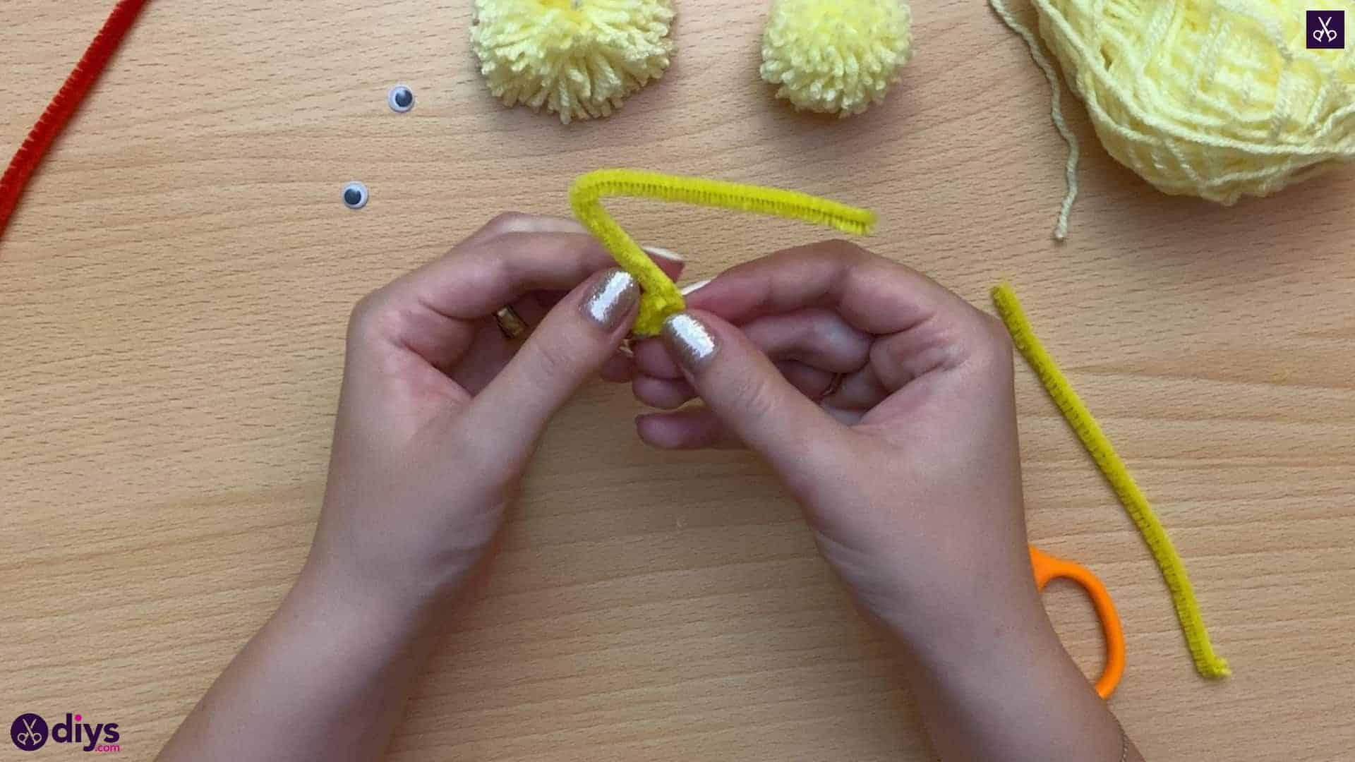 How to make a pom pom chick kids