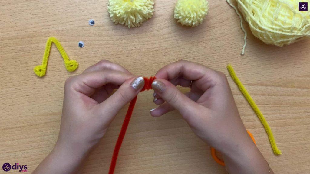 How to make a pom pom chick top