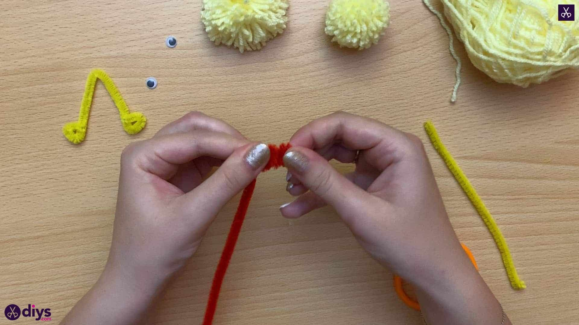 How to make a pom pom chick top