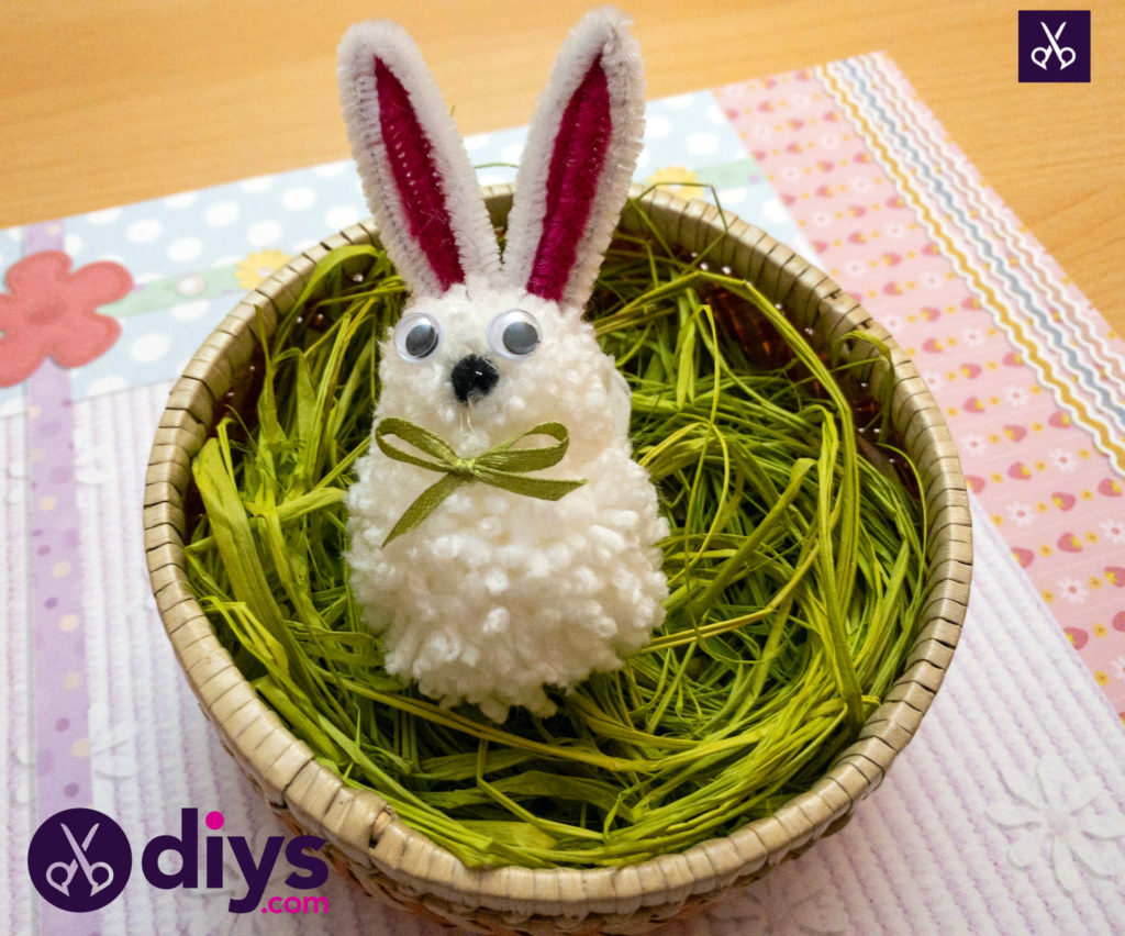 How to make a pom pom rabbit