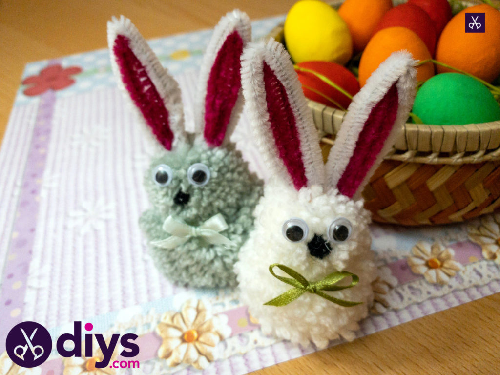 How to make a pom pom rabbit table decor