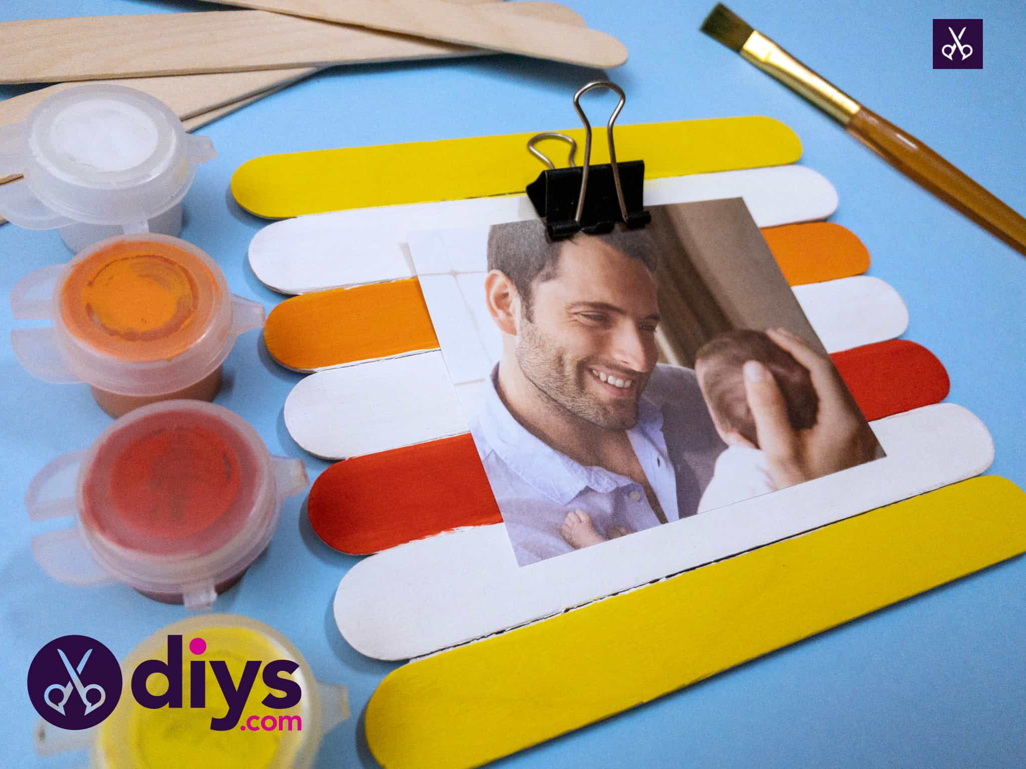How to make a popsicle stick picture frame craft