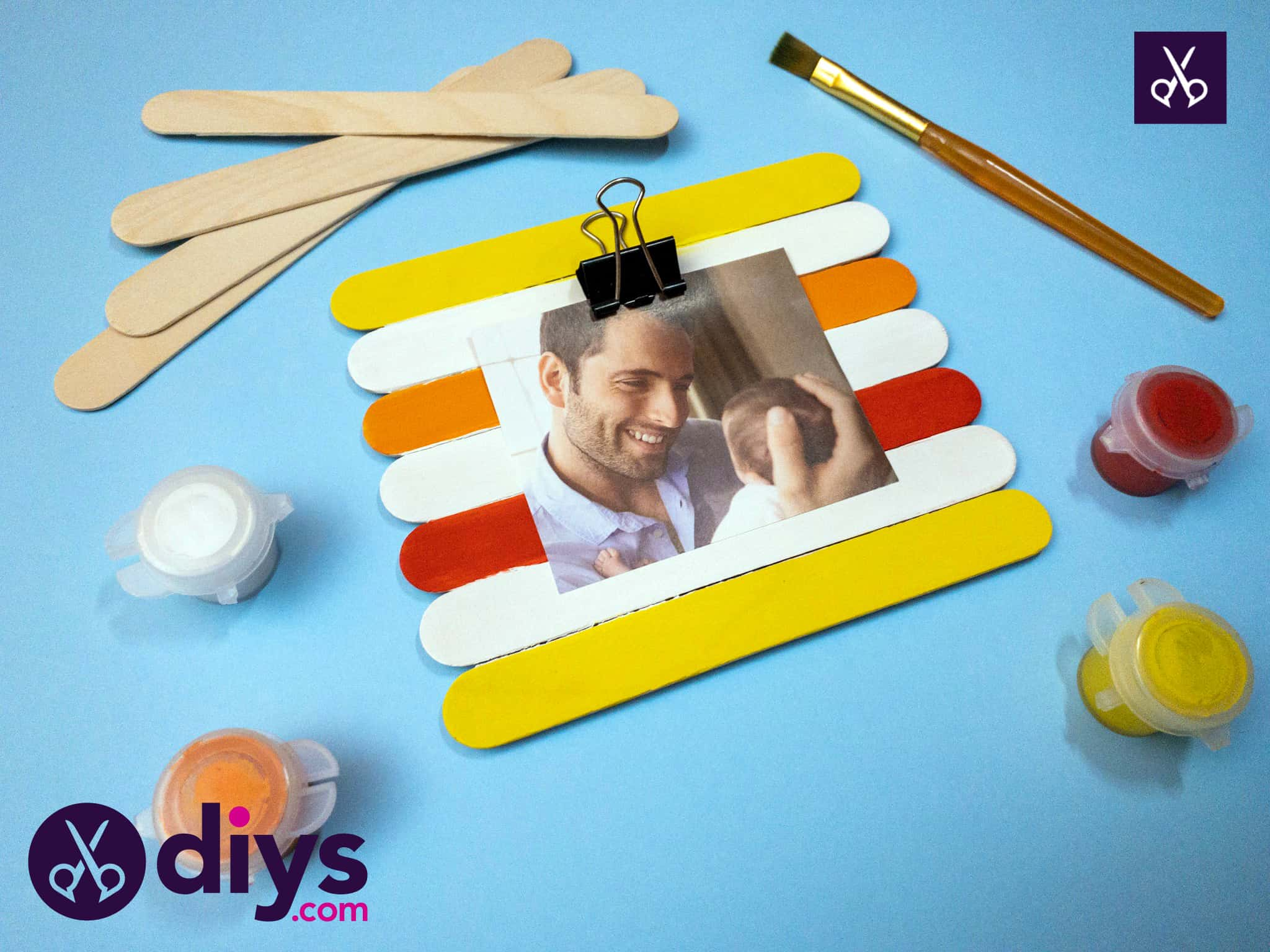 How to make a popsicle stick picture frame