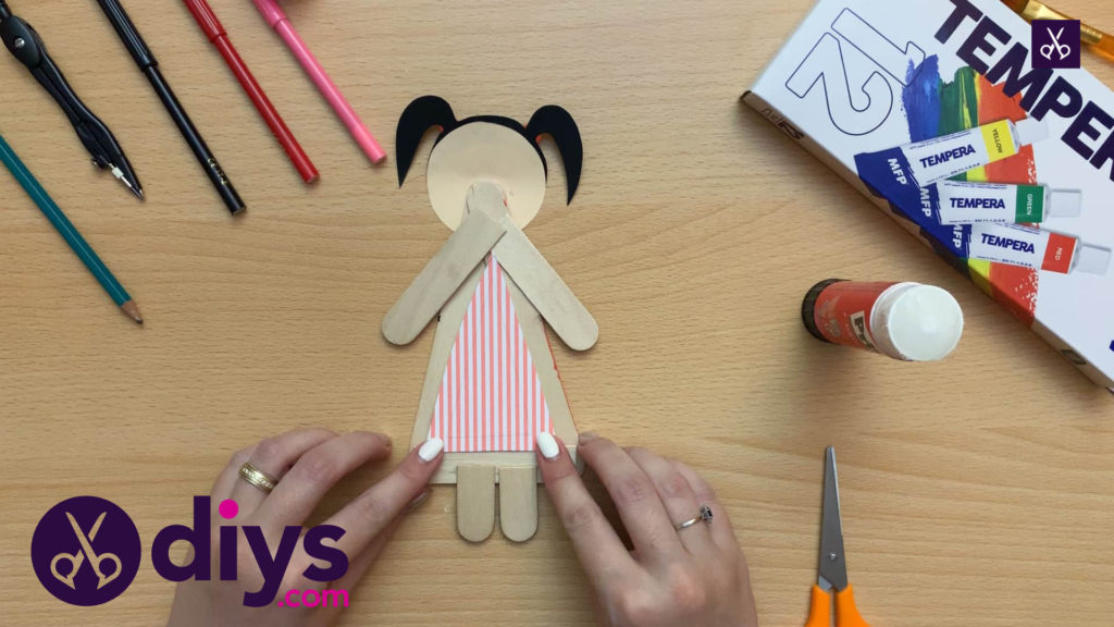 How to make a popsicle stick puppet dress