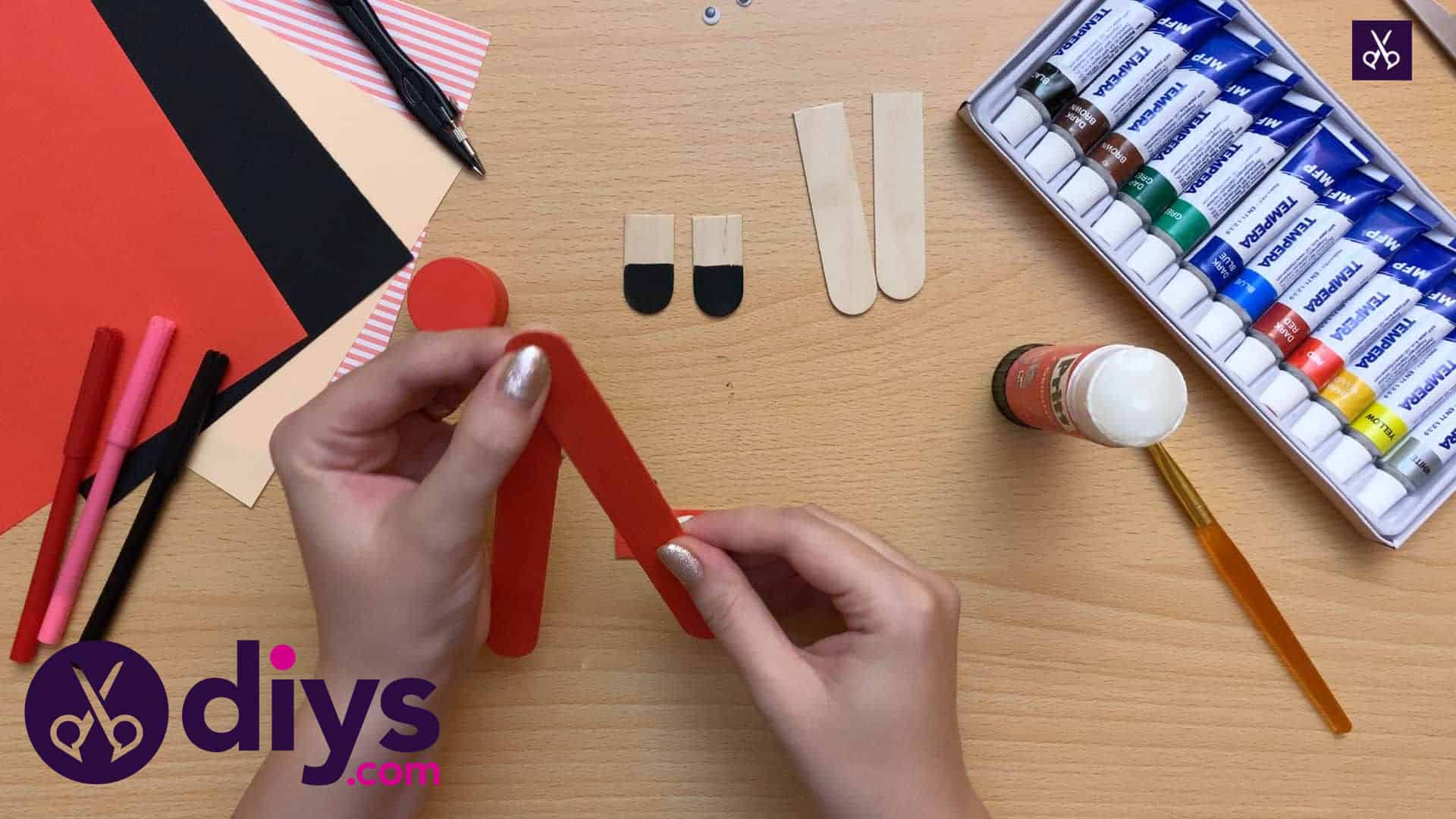 How to make a popsicle stick puppet glue