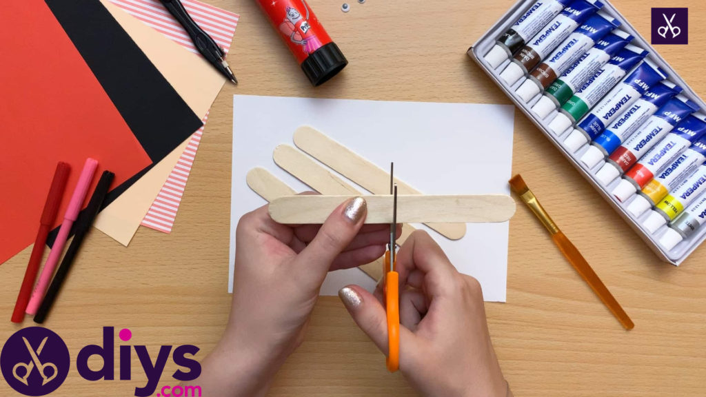 How to make a popsicle stick puppet prepare