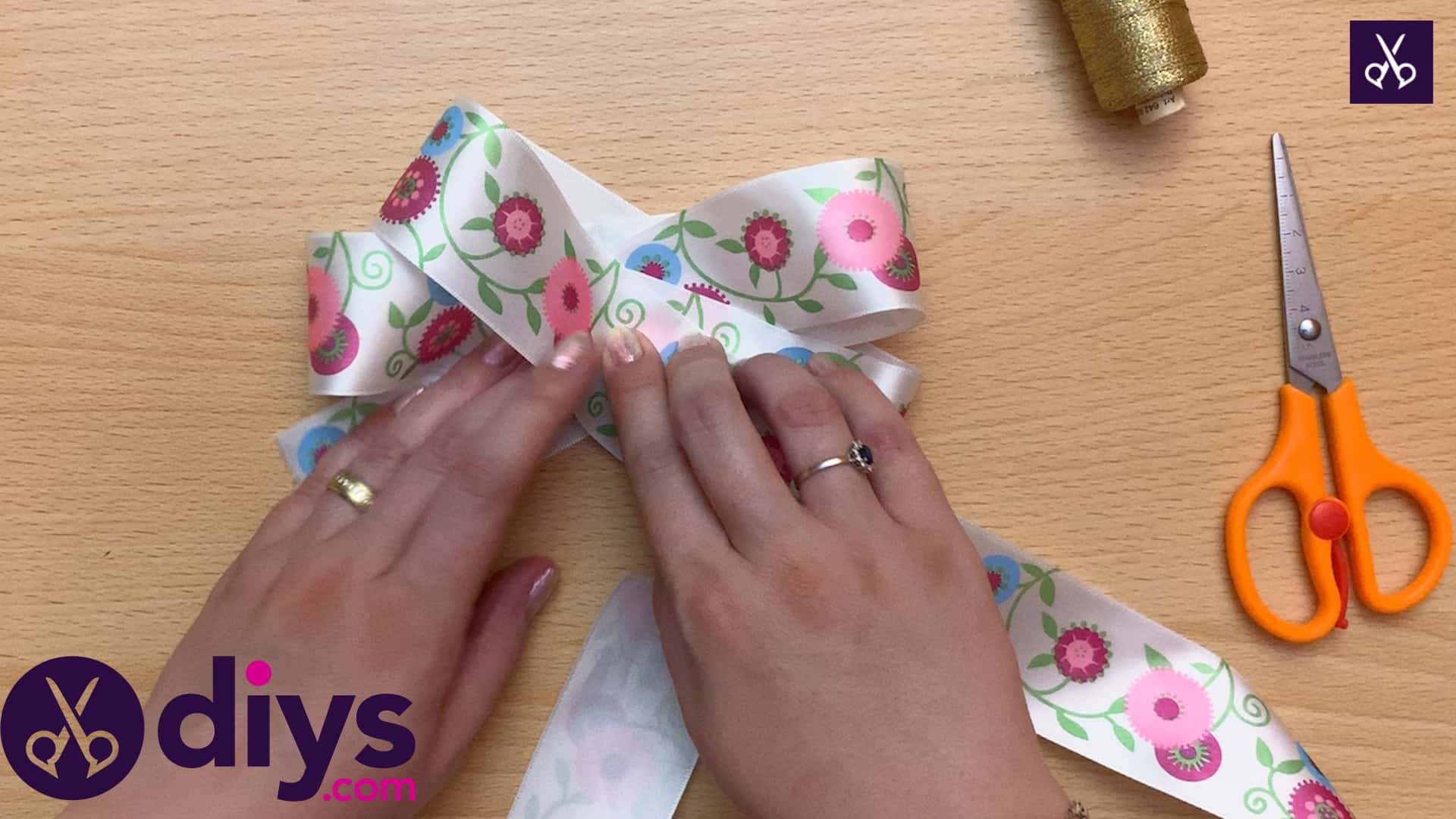 How to make a ribbon double bow fold