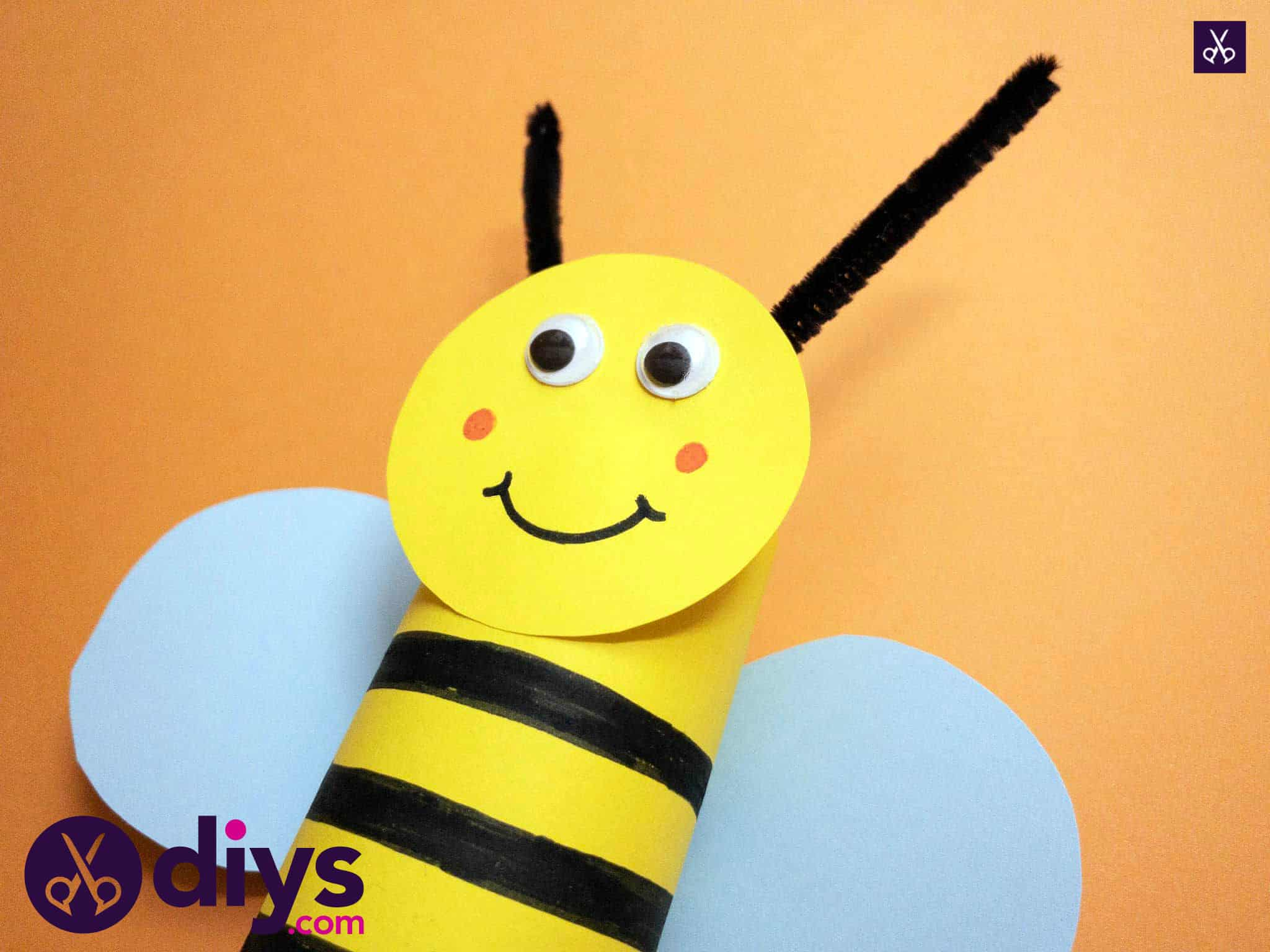 How to make a toilet paper roll bee diy