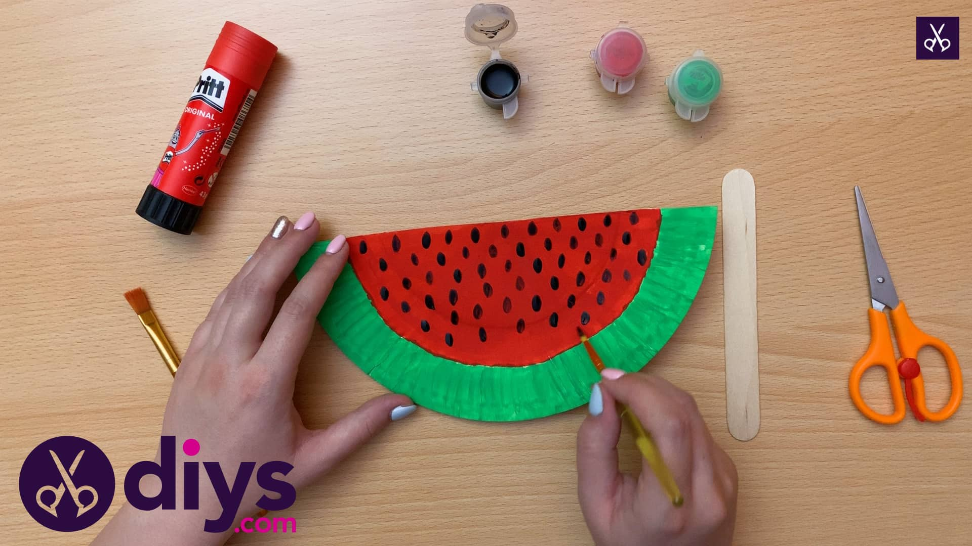 How to make a watermelon paper fan dots