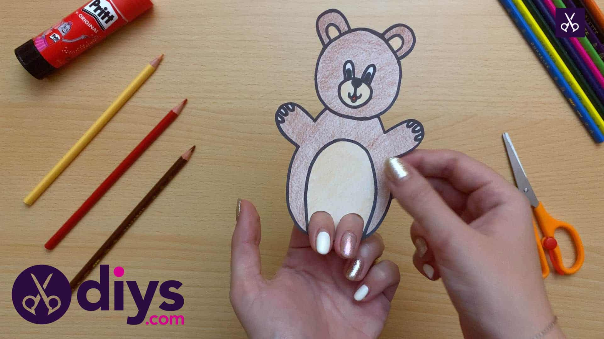 How to make an adorable bear finger puppet play