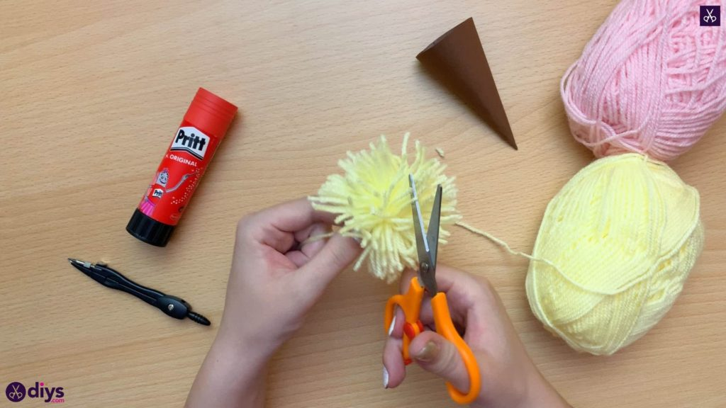 How to make an ice cream pom pom cut
