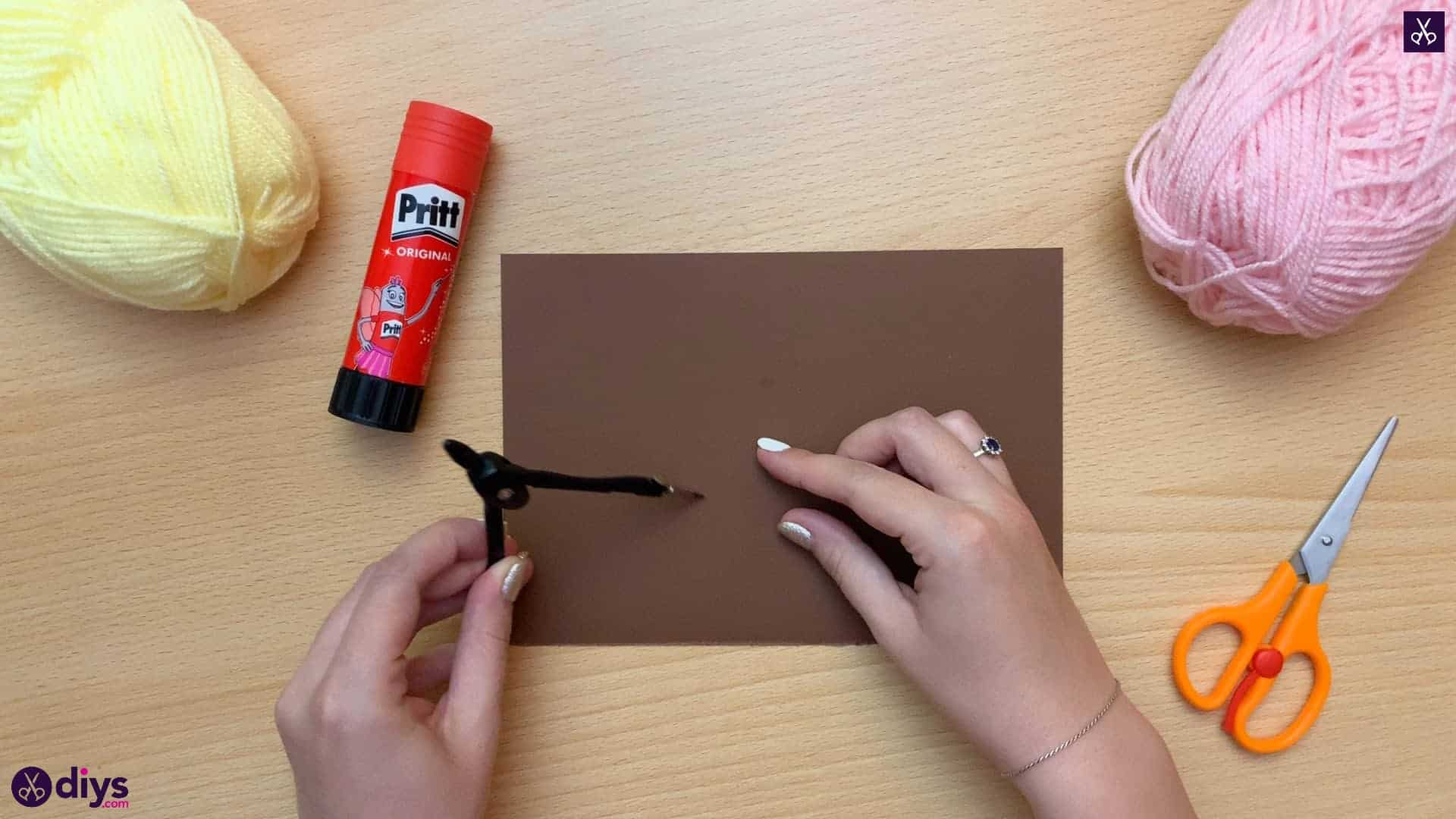 How to make an ice cream pom pom draw