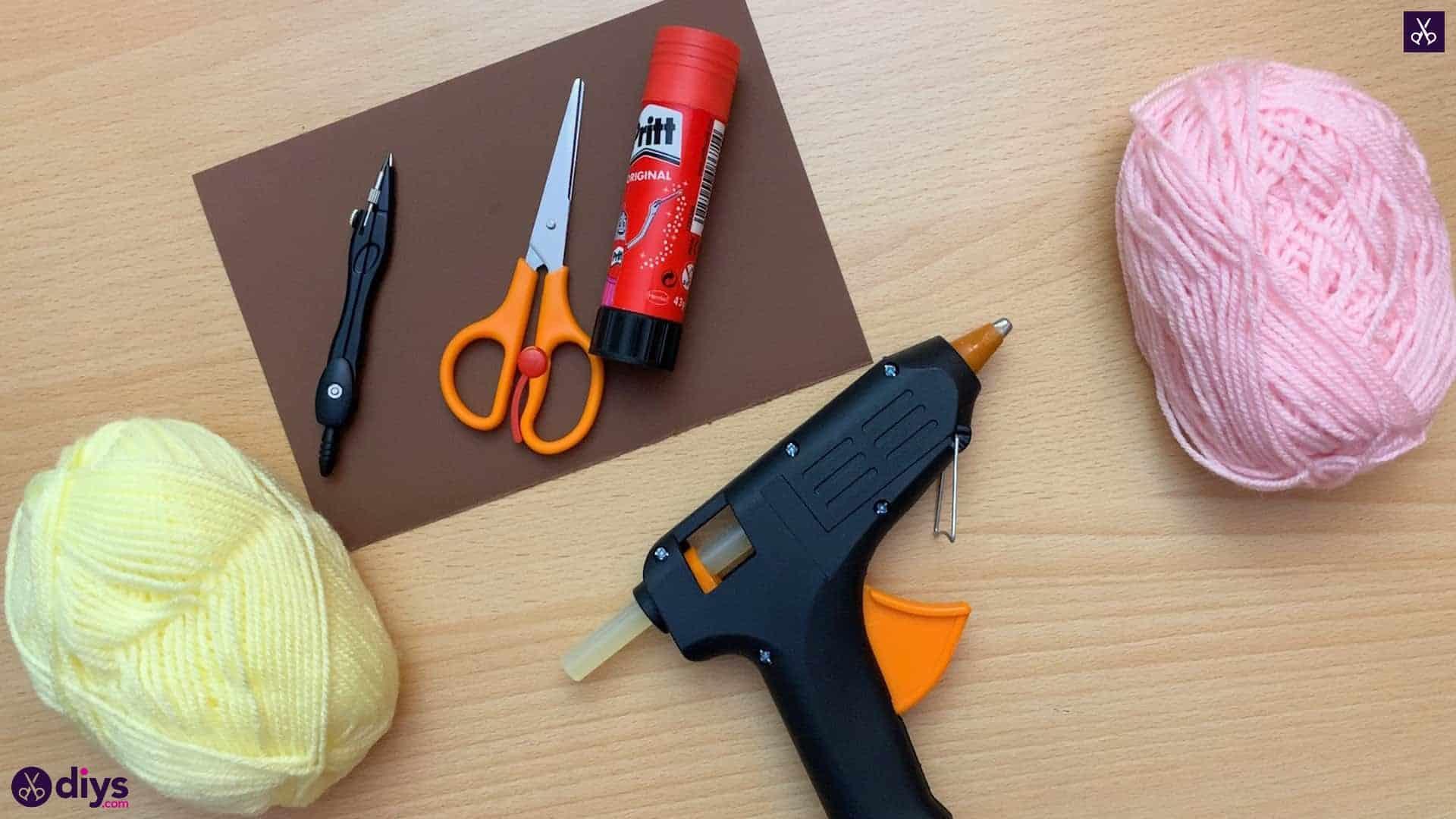 How to make an ice cream pom pom glue gun