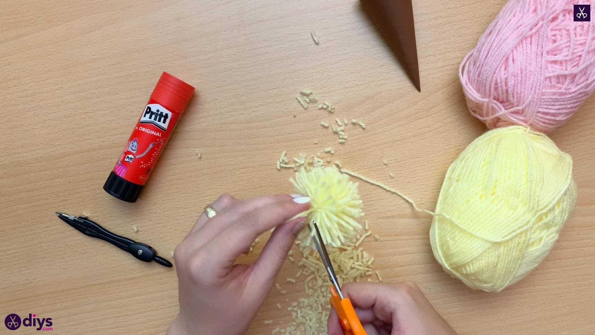 How to make an ice cream pom pom scrissoris
