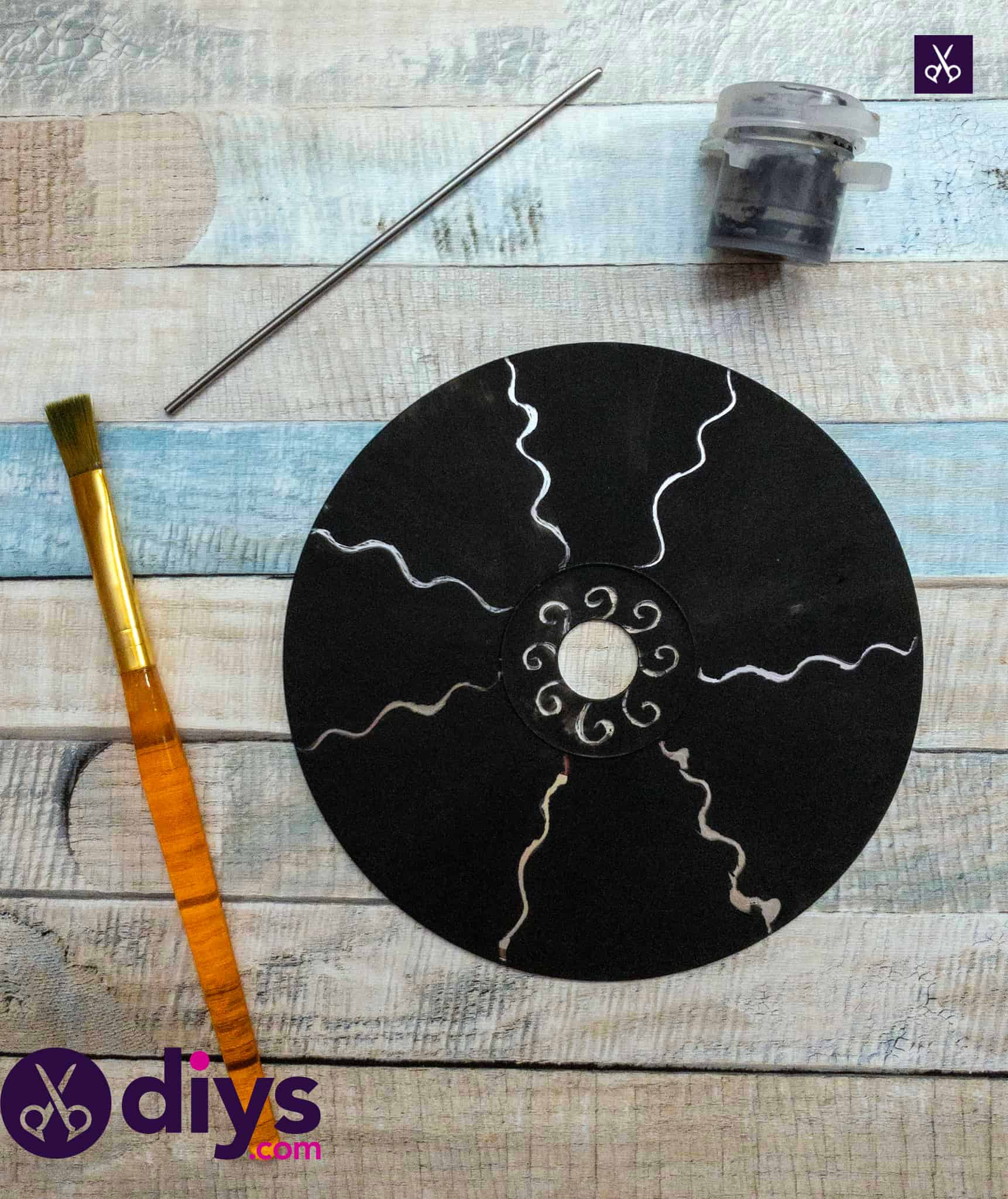 Materials how to make recycled cd art