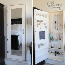 Mirrored jewelry organizing cupboard