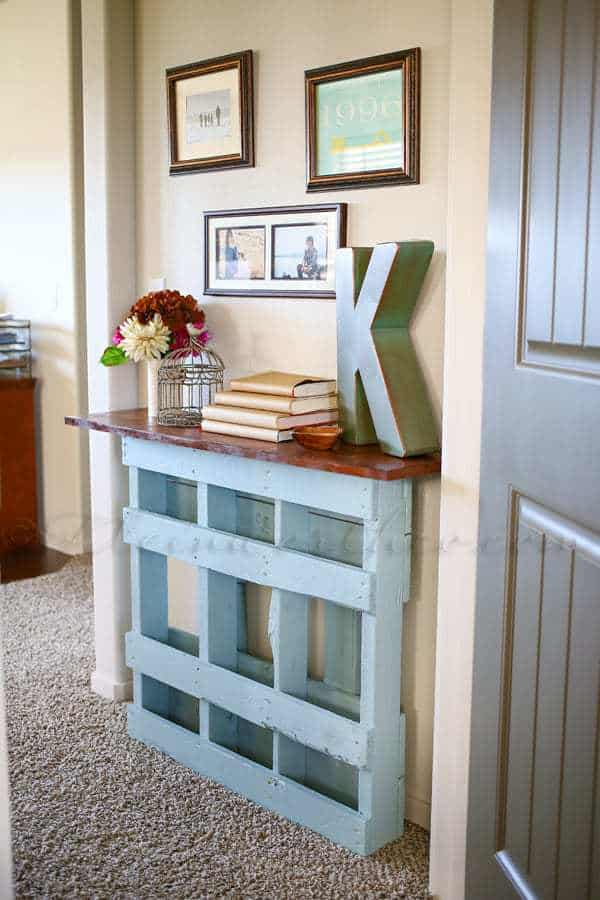 Painted reclaimed pallet entry table