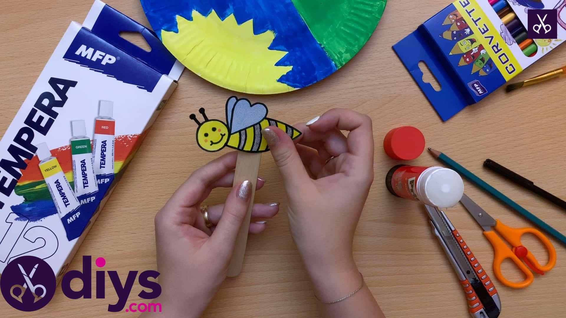 Paper plate bee puppet cut