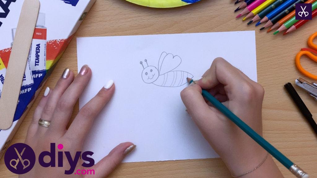 ورق کاغذی رنگ عروسکی زنبور عسل