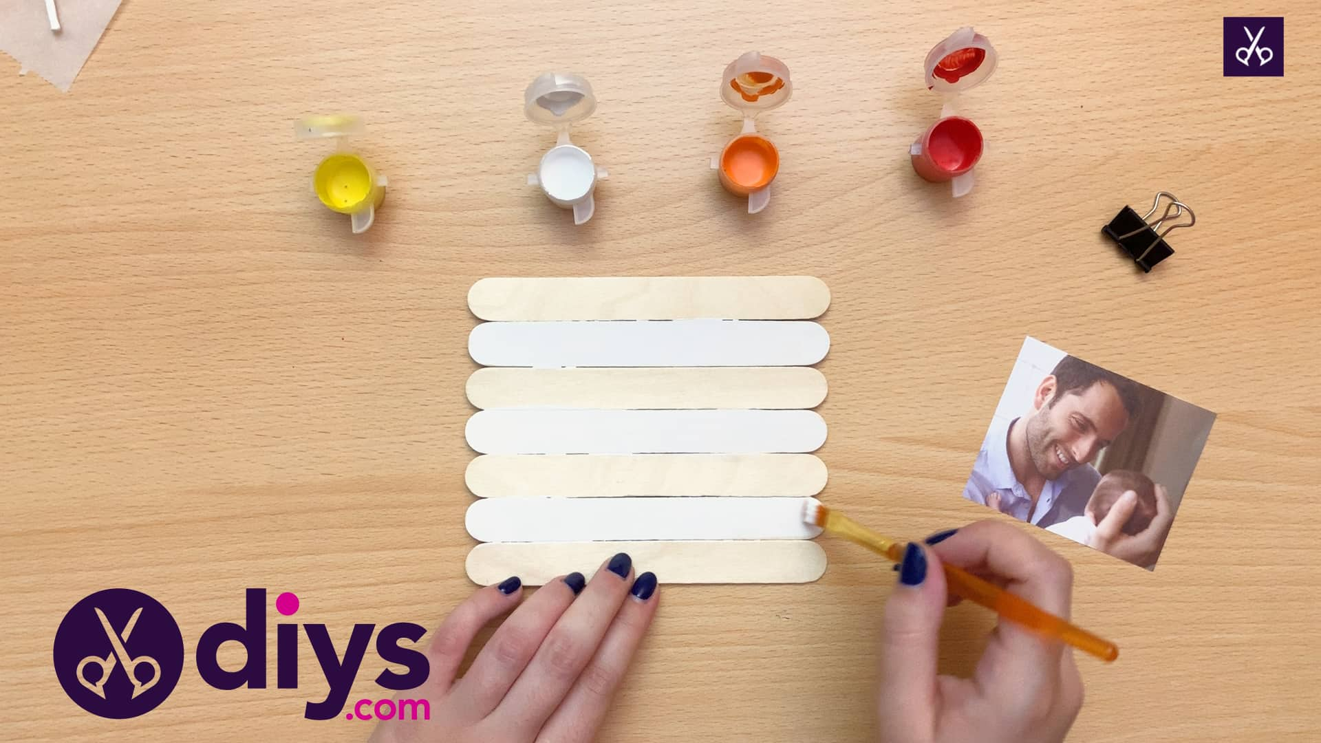 Popsicle stick picture frame paint