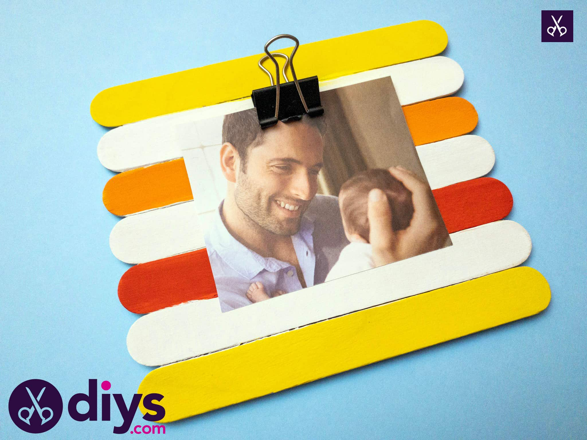Simple popsicle stick picture frame diy
