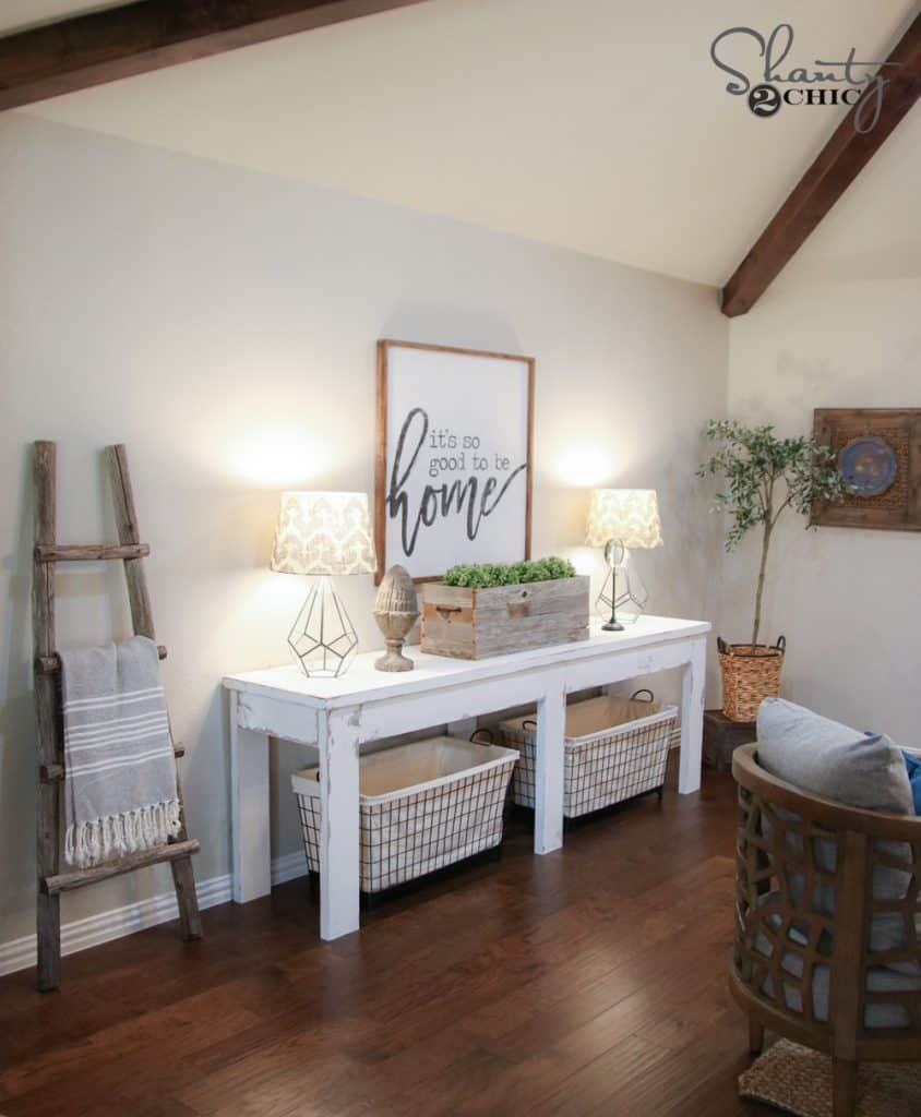 Stylishly weathered farmhouse entry table