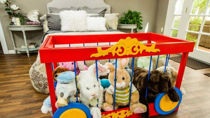 Circus stuffed animal storage diy
