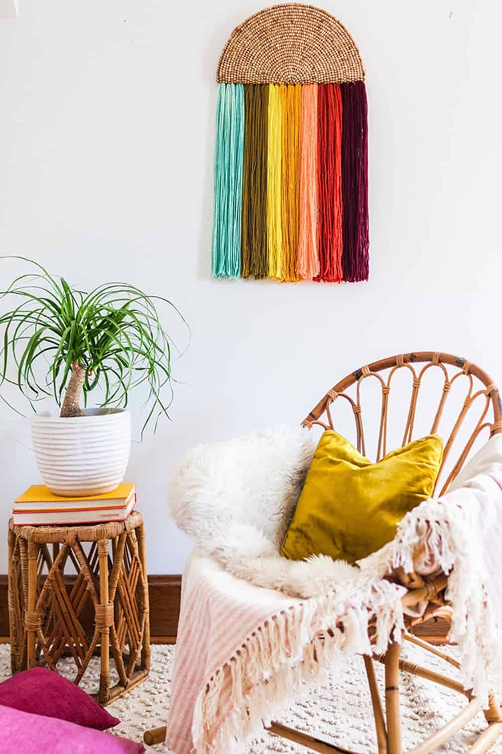 Rainbow yarn wall hanging diy