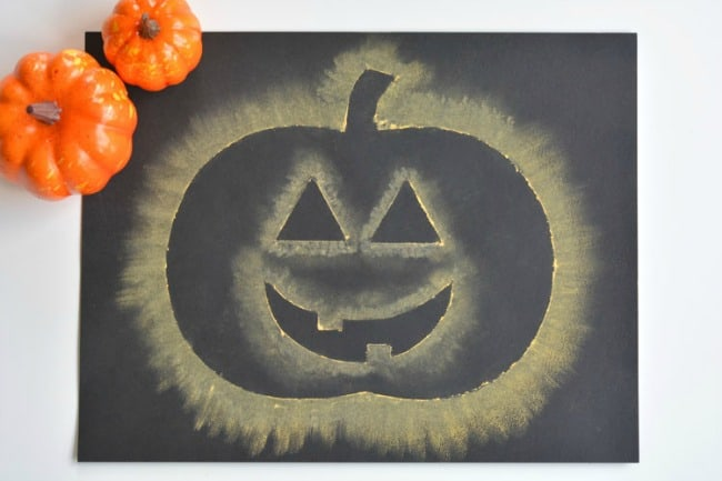 Chalk stencilled pumpkins