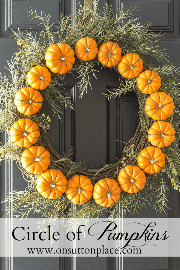 Circle of pumpkins door wreath