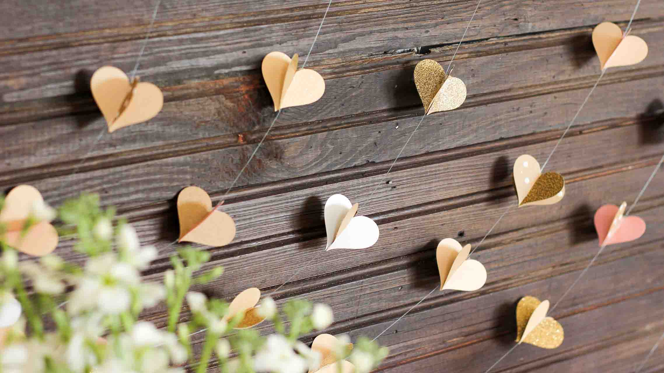 Diy 3d paper heart garland