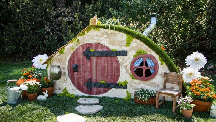 Diy hobbit hole playhouse