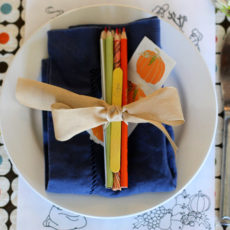 Colouring place settings for kids