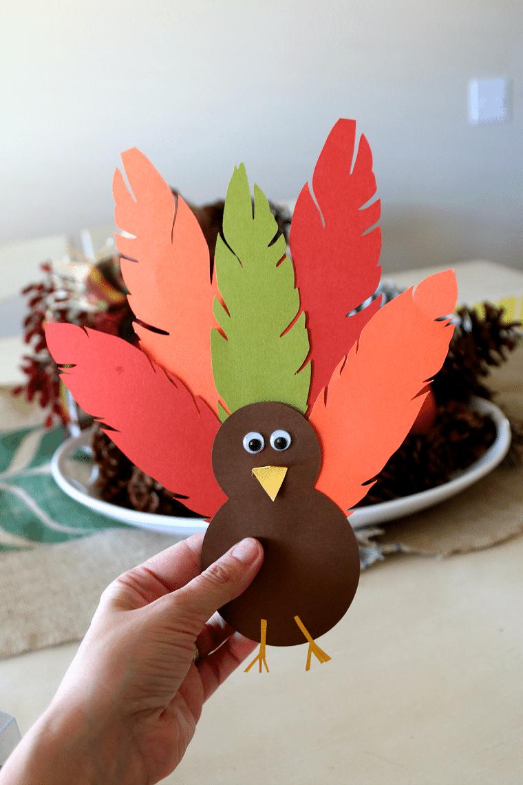 Cute thanksgiving paper turkey hat