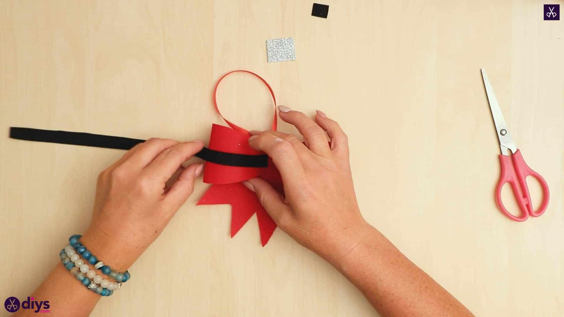 Diy christmas bow ornament glue