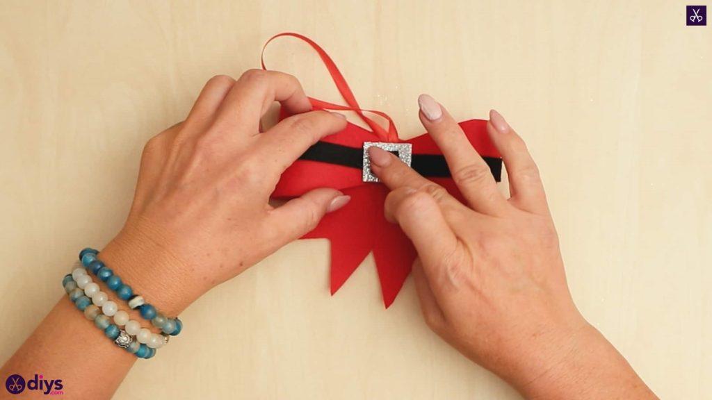 Diy christmas bow ornament press